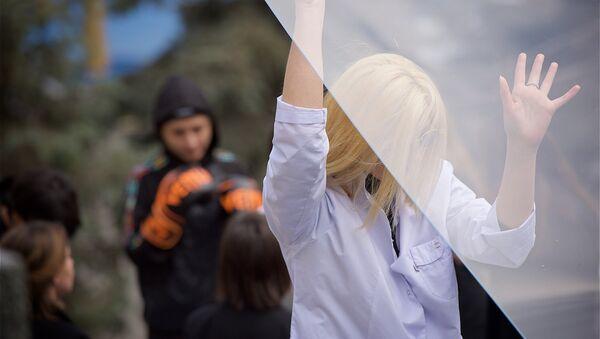 Акция феминисток Разбей стеклянный потолок - Sputnik Грузия