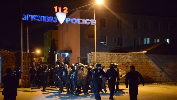 პოლიციელების სპეცრაზმი ვითარების მოსაგვარებლად ბათუმის ქუჩებში გამოჰყავთ - Sputnik საქართველო