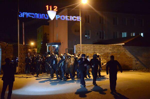 Полицейский спецназ выводят на улицы Батуми для устранения беспорядков - Sputnik Грузия