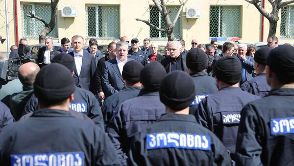 Премьер-министр Грузии Георгий Квирикашвили на встрече с полицейскими в Батуми - Sputnik Грузия