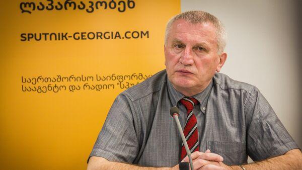 Профессор Кавказского международного университета Демур Гиорхелидзе - Sputnik Грузия