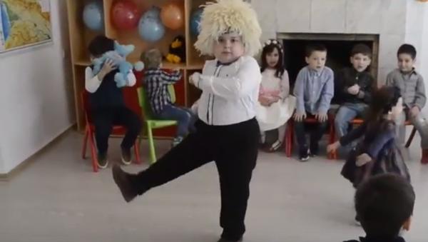 Юный танцор - Sputnik Грузия
