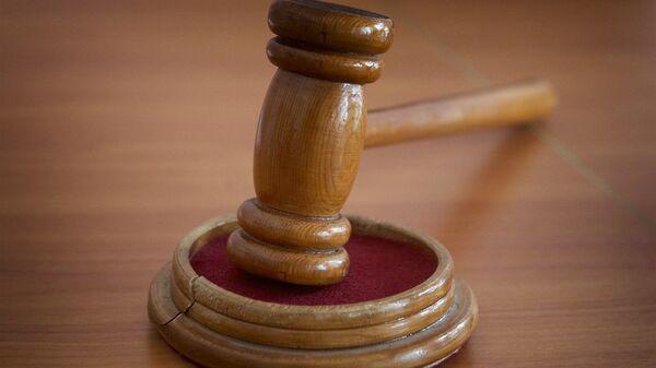 Молоток судьи в зале судебных заседаний - Sputnik Грузия