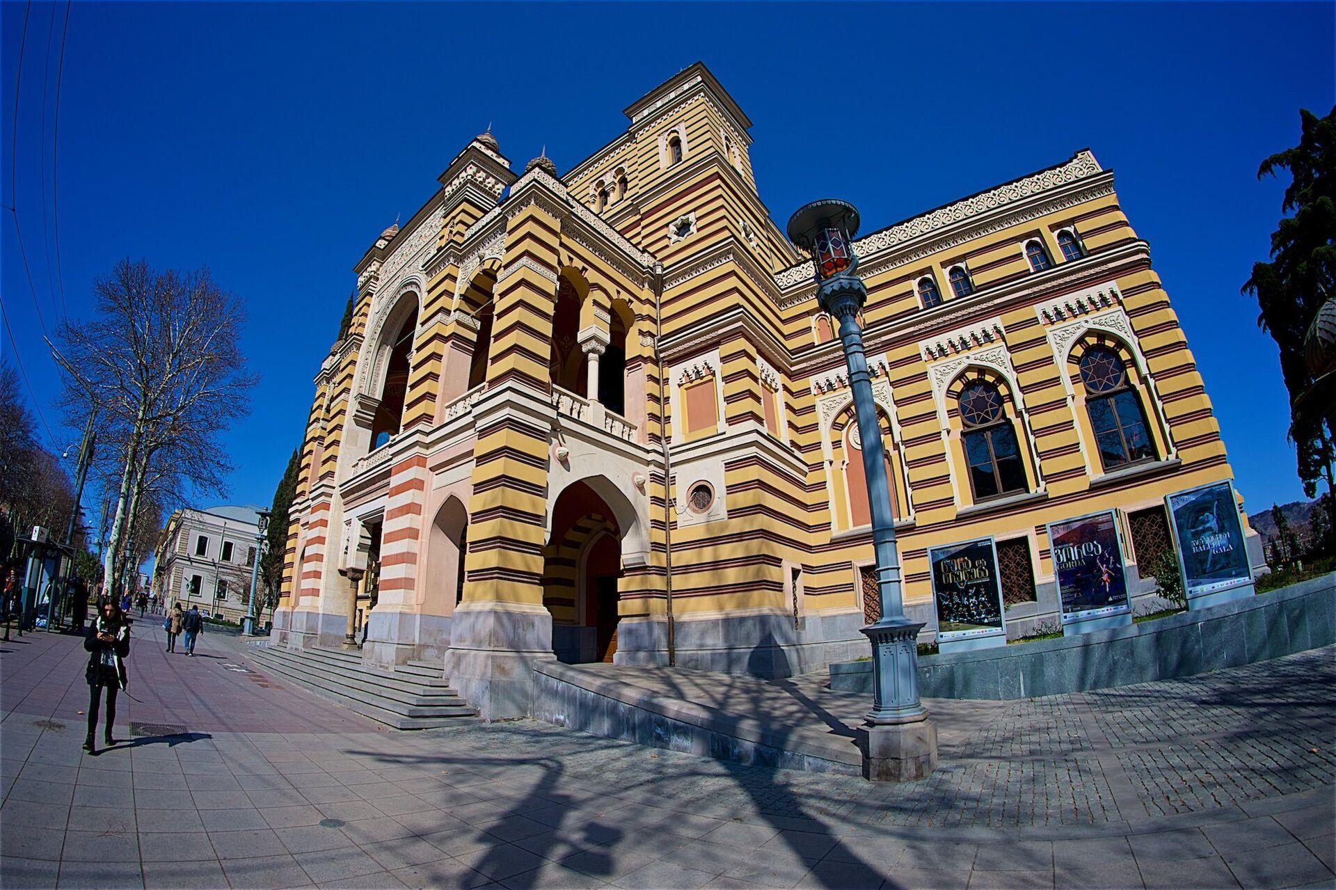 Тбилисский государственный театр оперы и балета им. Захария Палиашвили - Sputnik Грузия, 1920, 30.09.2021