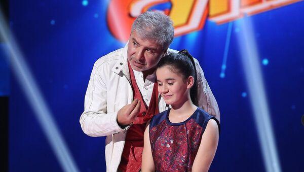 Участница проекта Ты супер! Нана Вардзелашвили и певец Сосо Павлиашвили - Sputnik Грузия