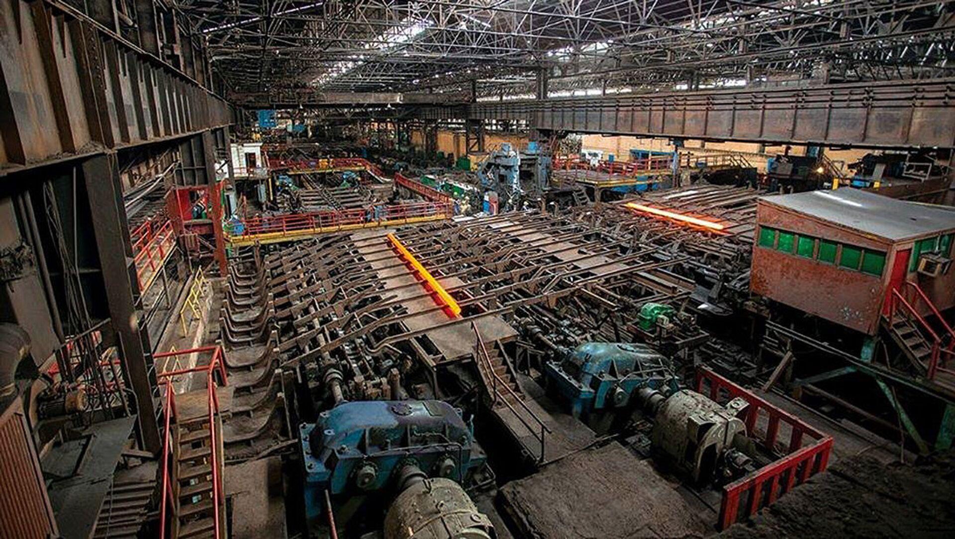 Прокатный стан на Руставском металлургическом заводе - Sputnik Грузия, 1920, 26.03.2021