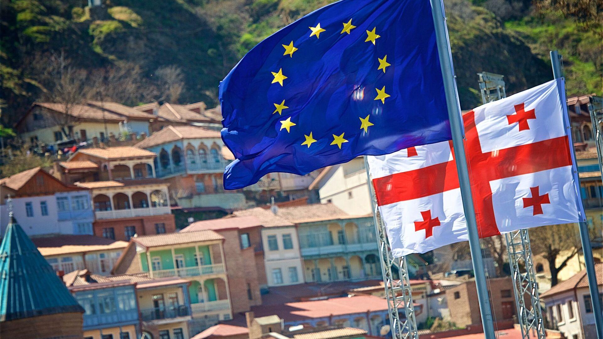 Флаги Евросоюза в центре столицы Грузии - Sputnik Грузия, 1920, 29.09.2021
