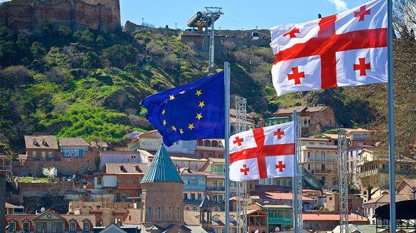 ევროკავშირისა და საქართველოს დროშები თბილისში - Sputnik საქართველო