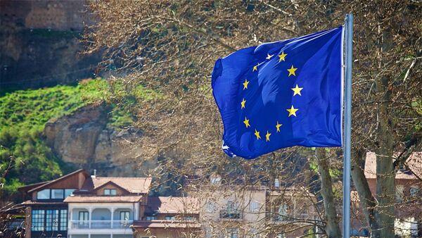 Флаг ЕС на одной из тбилисских улиц - Sputnik Грузия