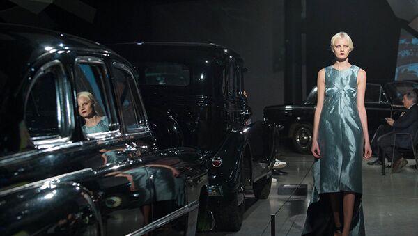 რიგის მოდის კვირეულზე პირველად წარმოადგინა საკუთარი კოლექცია ქართულმა მარკამ Mariam Gvasalia, რომლის დიზაინერიც ახლა ევროპაში ერთ-ერთი ყველაზე პოპულარული ბრენდის Vetements და მოდის სახლის Balenciaga კრეატიული დირექტორის, დემნა გვასალიას მოგვარეა - Sputnik საქართველო