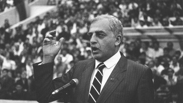 Первый президент Грузии Звиад Константинович Гамсахурдиа - Sputnik Грузия