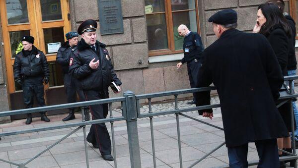 Ситуация у станции метро Технологический институт в Санкт-Петербурге, где произошел взрыв - Sputnik Грузия