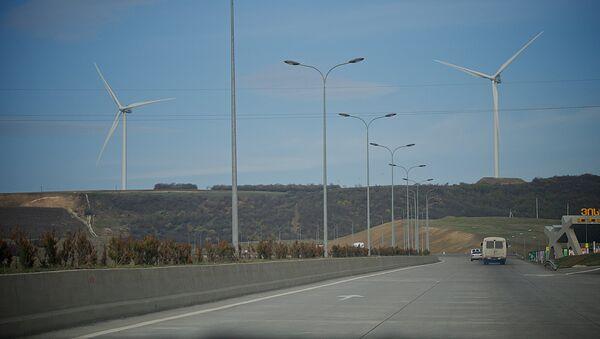 Ветряные установки по выработке электроэнергии у Рикотского перевала - Sputnik Грузия