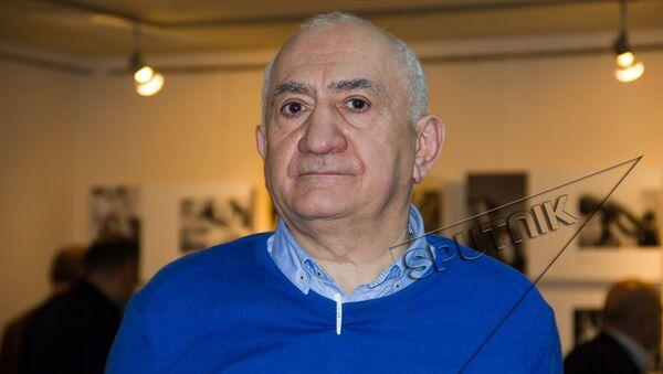 В Ереване открылась выставка Грузия – двойные страницы. Фотограф Юрий Мечитов - Sputnik Грузия