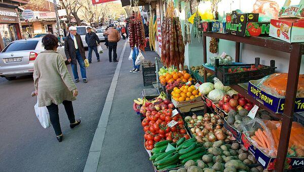 Уличная торговля в районе Авлабари в центре Тбилиси - Sputnik Грузия