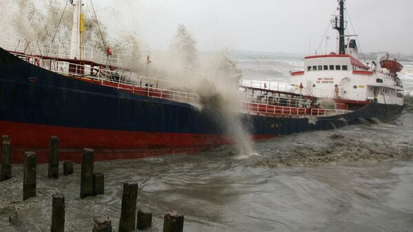 Турецкий сухогруз тонет в результате шторма на Черном море, архивное фото - Sputnik Грузия