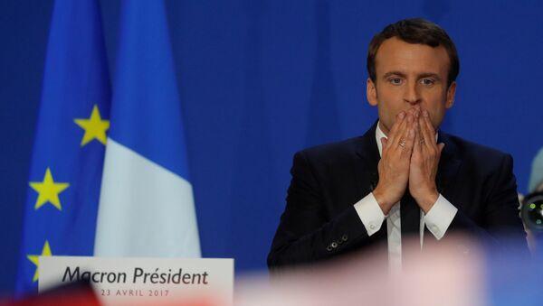 Эммануэль Макрон, кандидат на президентских выборах в 2017 году, после первого раунда президентских выборов Франции в Париже - Sputnik Грузия