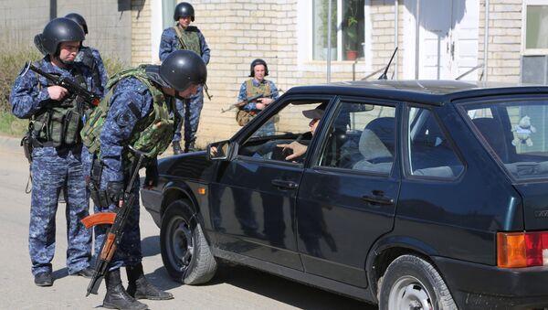 პოლიციის თნამშრომლები ბუინაკსკში - Sputnik საქართველო