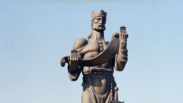 მეფე ფარნავაზის ძეგლი თბილისში - Sputnik საქართველო