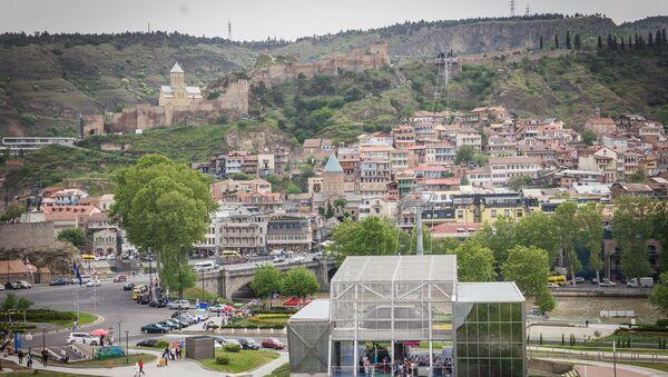 Вид на парк Рике, старый Тбилиси, канатную дорогу и крепость Нарикала - Sputnik Грузия