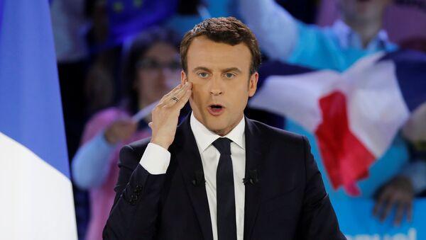 Эммануэль Макрон, кандидат на президентских выборах в 2017 году, на предвыборном митинге в Париже, Франция - Sputnik Грузия
