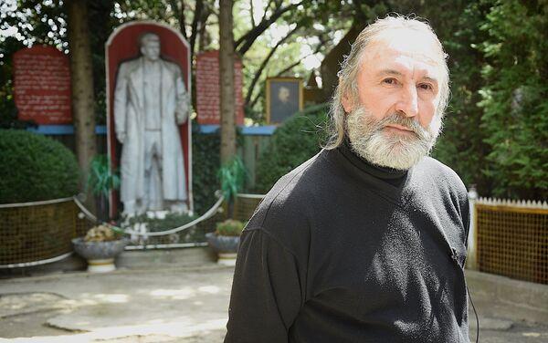 Житель Ахалсопели Темур Кунелаури, который создал в своем доме музей Иосифа Сталина - Sputnik Грузия