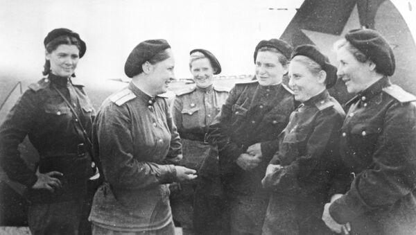 568-ე გამანადგურებელი საავიაციო პოლკის მფრინავი ქალები - Sputnik საქართველო