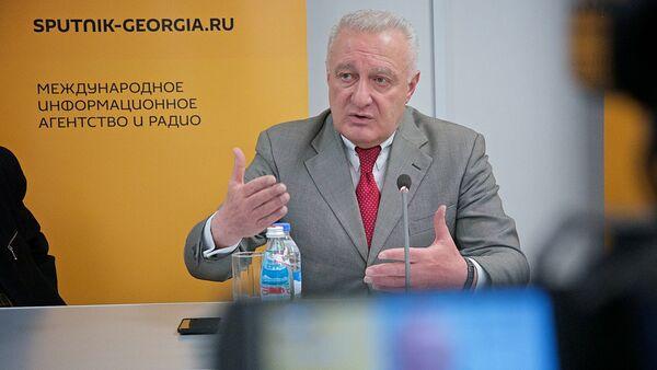 Руководитель общественного движения Тетреби Темур Шашиашвили - Sputnik Грузия
