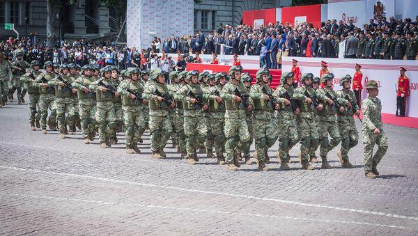 Сотни новобранцев приняли военную присягу на площади Свободы в Тбилиси в День независимости Грузии - Sputnik Грузия