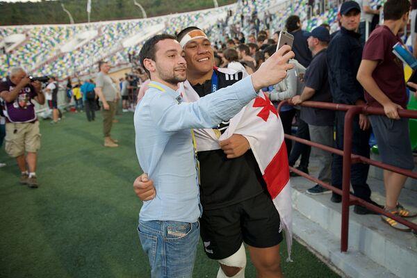Грузинские любители регби надолго запомнят захватывающие матчи чемпионата - Sputnik Грузия
