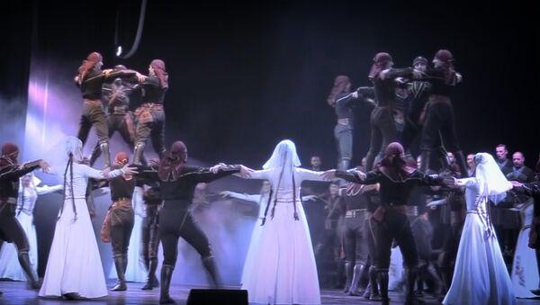 Яркие грузинские танцы: премьера новой программы ансамбля Аджарии - Sputnik Грузия