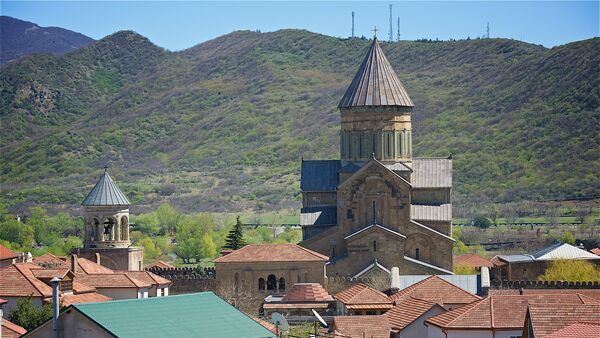 Вид на храм Светицховели и город Мцхета - Sputnik Грузия