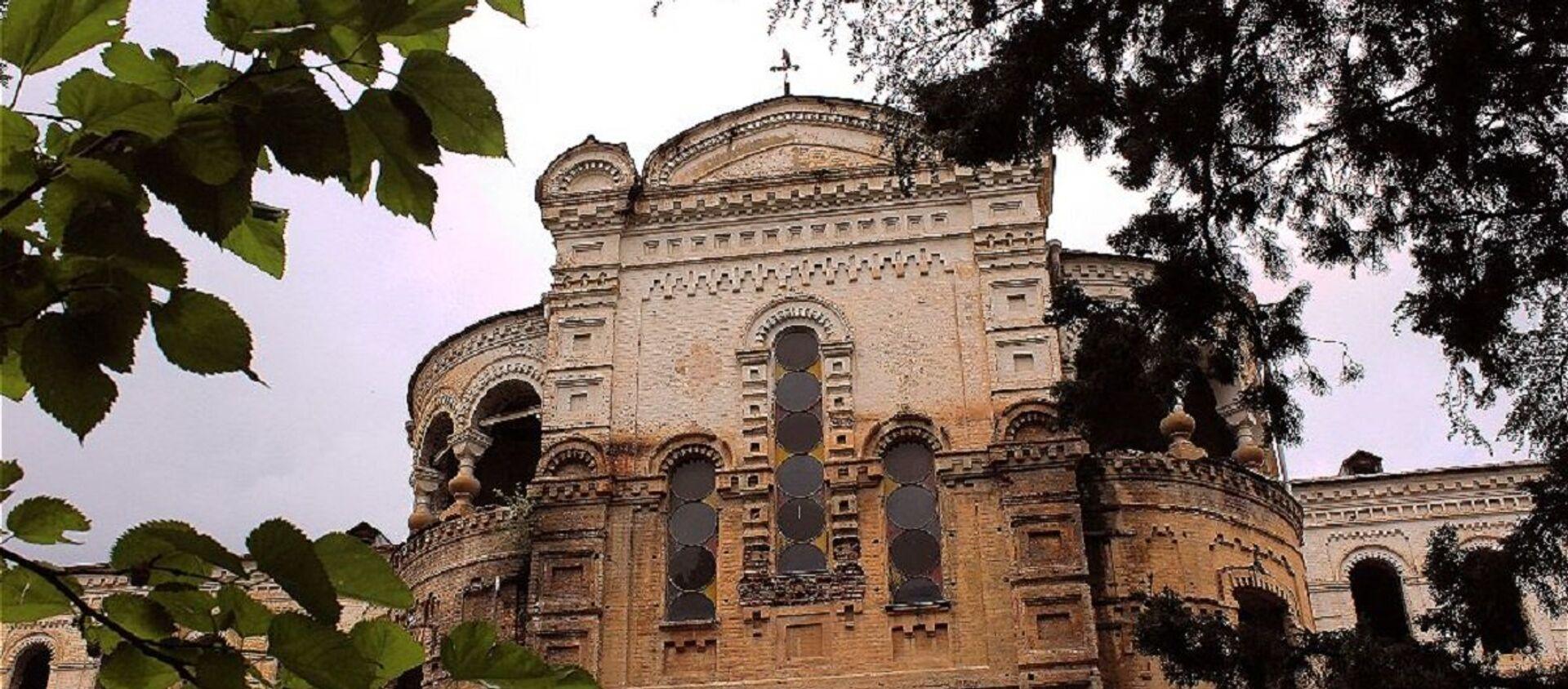 Здание бывшей Духовной семинарии - Sputnik Грузия, 1920, 30.06.2017