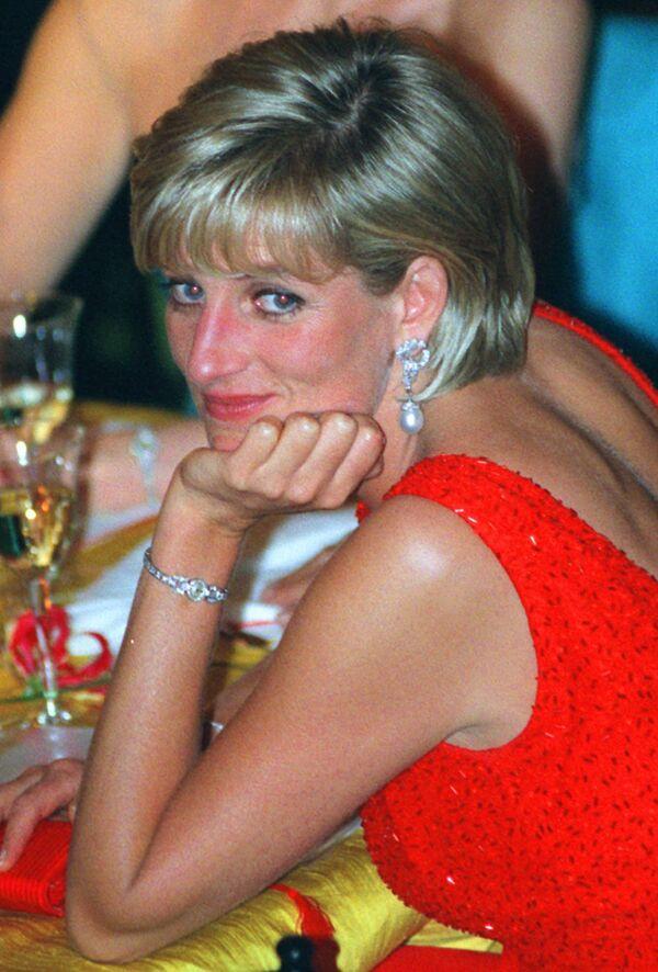 Казалось, у Дианы появилась возможность наладить свою личную жизнь. После нескольких коротких романов, в июне 1997 года принцесса познакомилась с Доди аль-Файедом, сыном египетского миллиардера - Sputnik Грузия