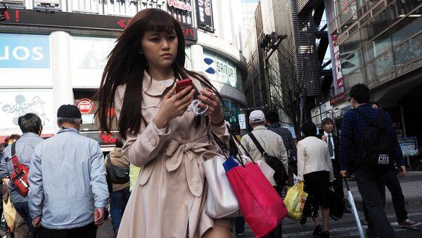 გოგონა ტოკიოს ქუჩაში - Sputnik საქართველო