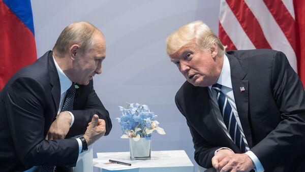 Президент РФ Владимир Путин и президент США Дональд Трамп - Sputnik Грузия