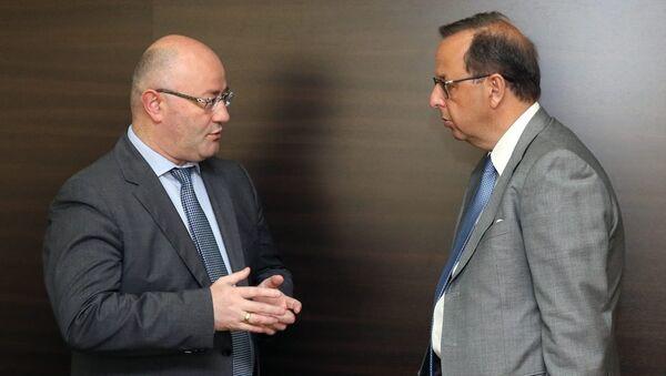 Министр обороны Грузии Леван Изория и посол Италии Антонио Энрико Бартоли - Sputnik Грузия