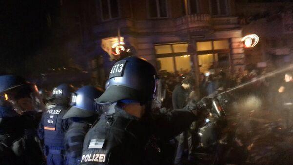 Третья ночь беспорядков в Гамбурге - Sputnik Грузия