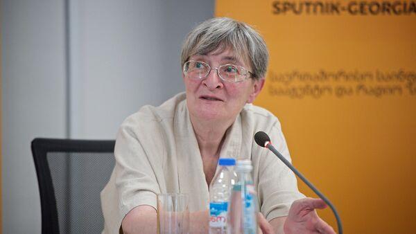 Эксперт-политолог Нана Девдариани - Sputnik Грузия