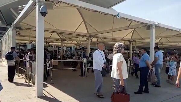 Звезда и без охраны: Джон Малкович прогулялся по ЭКСПО - Sputnik Грузия