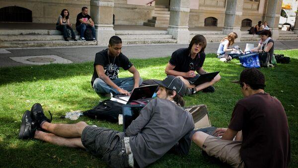 სტუდენტები ლიონის უნივერსიტეტში - Sputnik საქართველო