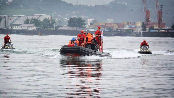Спасатели работают в черноморской акватории - Sputnik Грузия