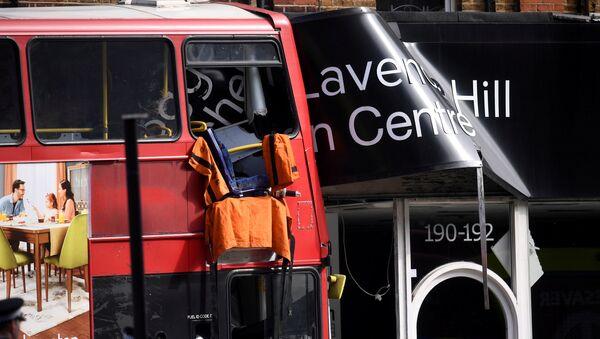 ლონდონში ავტობუსი მაღაზიის ვიტრინას შეეჯახა - Sputnik საქართველო