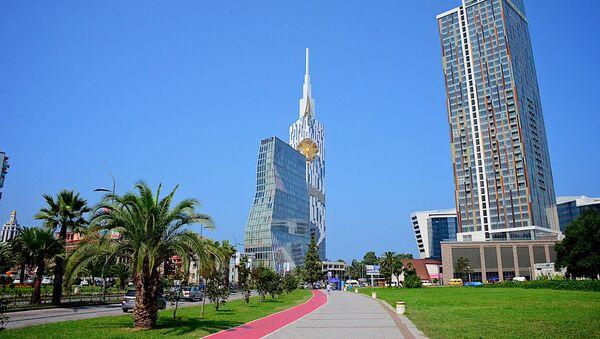 Высотные здания в центре Батуми - престижные отели - Sputnik Грузия