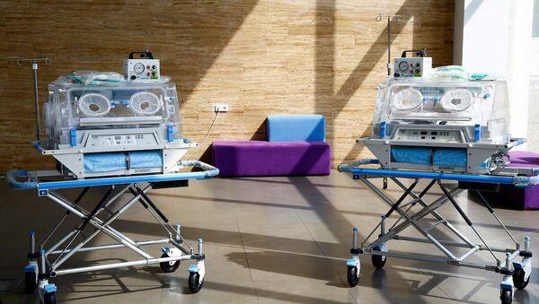 Транспортные инкубаторы для новорожденных - Sputnik Грузия