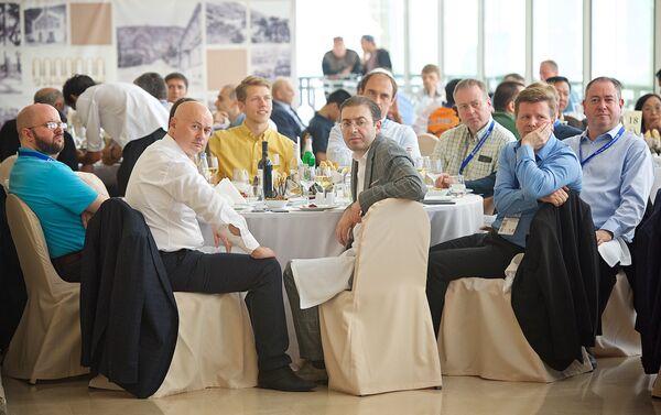 Гости участники шахматного турнира на церемонии его открытия - Sputnik Грузия