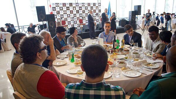 Гости и участники шахматного турнира на его открытии - Sputnik Грузия