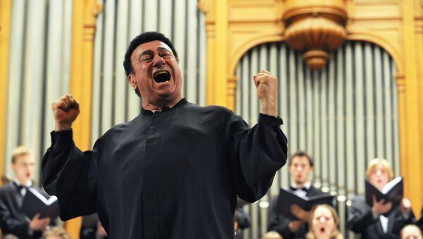Тенор Зураб Соткилава выступает на концерте в Московской консерватории - Sputnik Грузия