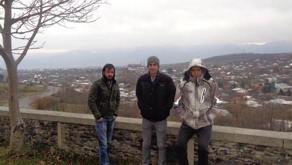ერეკლე ონიკაშვილი მეგობრებთან ერთად სურამში - Sputnik საქართველო