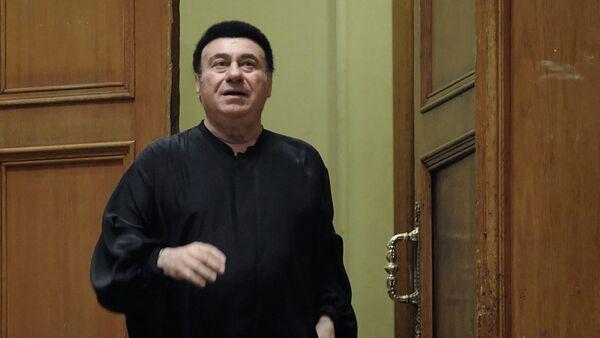 Тенор Зураб Соткилава выступает на концерте в Большом зале Московской консерватории - Sputnik Грузия